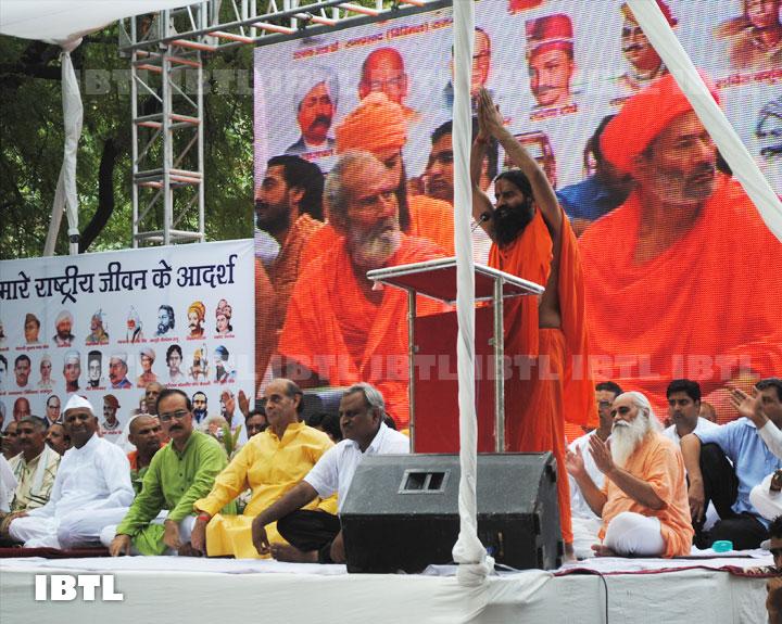 Baba, Anna, Devinder Sharma, Acharya B, maulana kalbe