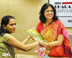 Meenakshi ji Greeting Meenakshi Lekhi Ji : IBTL Bharat Samvaad