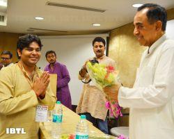 Alok ji greeting Dr @Swamy39 : IBTL Bharat Samvaad