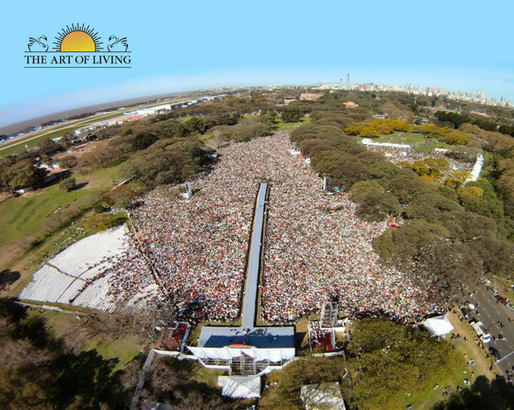 300 global cities, 100,000 people come together with Sri Sri in Argentina