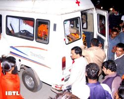 Bhai Rajiv Dixit in van for Antim Sanskar Yatra