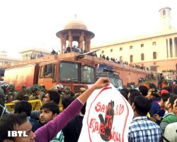 Say no to rape now : Protest at Rashtrapati Bhavan, Raisina Hill, New Delhi