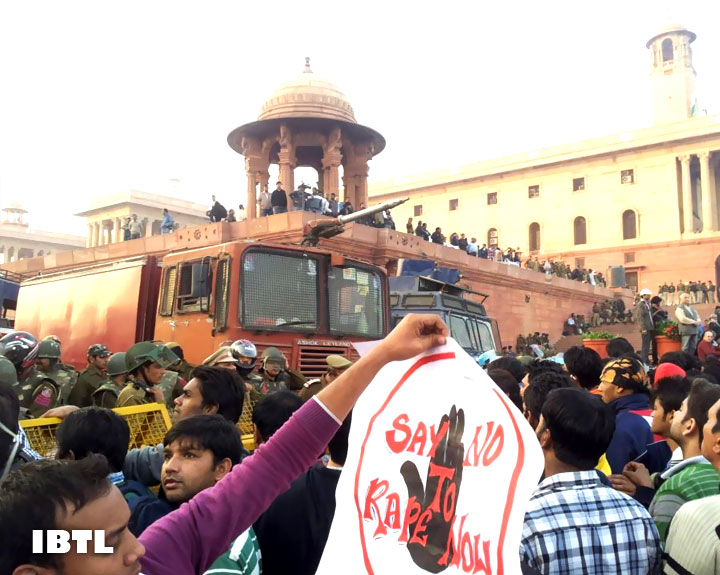 Say no to rape now : Protest at Rashtrapati Bhavan, Raisina Hill, New Delhi