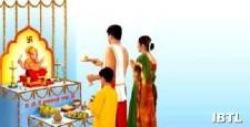 ritual of waving, lit lamps, aarti, a spiritual perspective, radhe rani, krishna, bharat, sanatan, IBTL